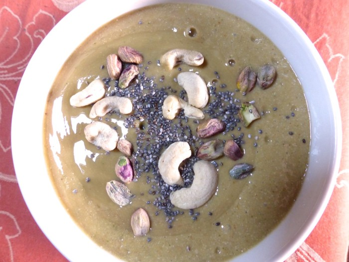 Smoothie with nuts